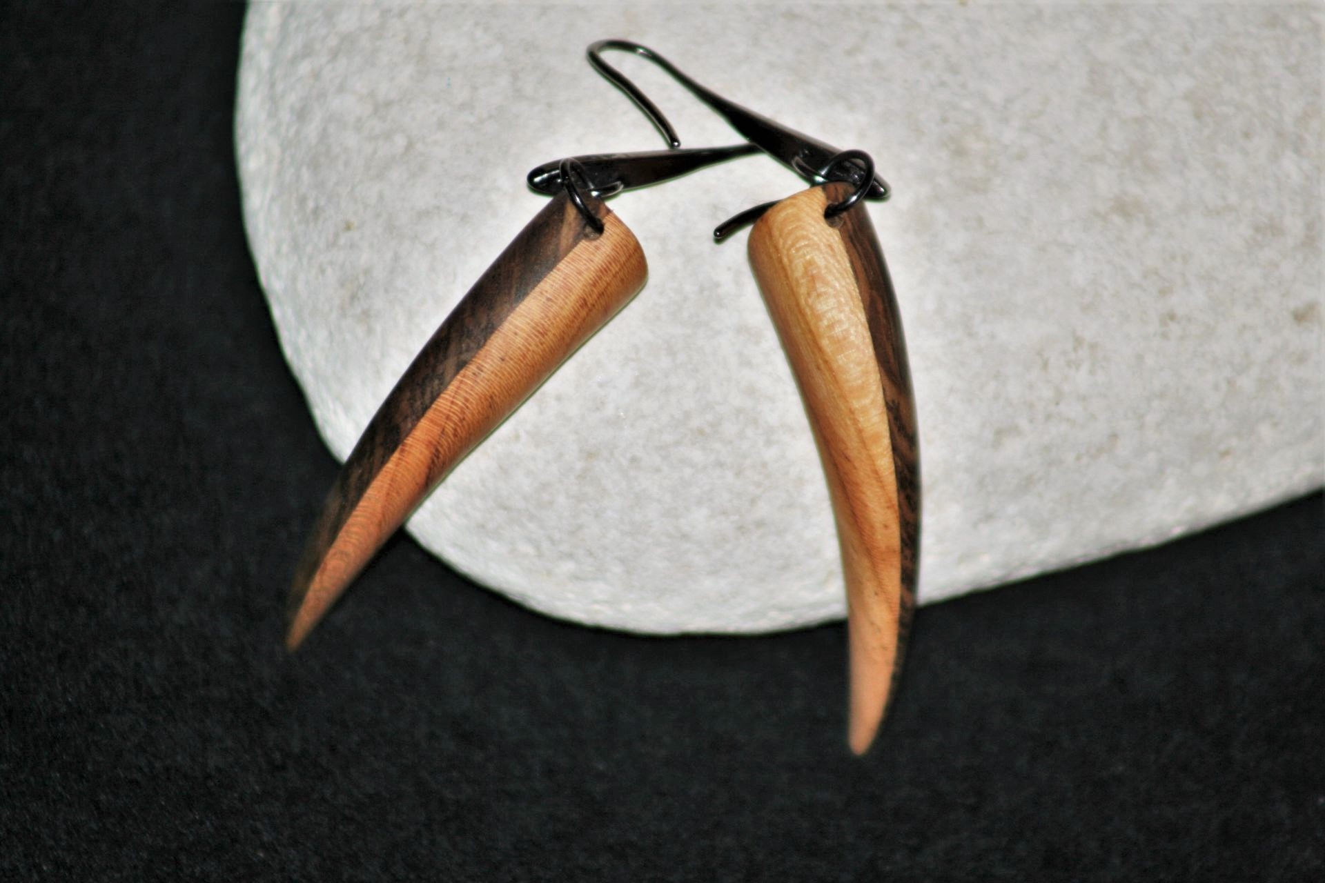wooden earrings sanisio holm oak apricot
