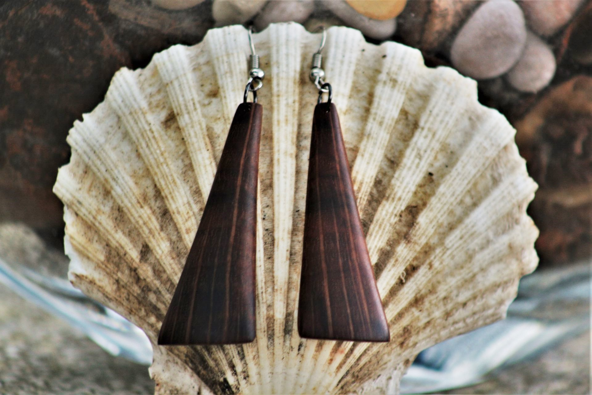 wooden earrings sanisio design holm oak