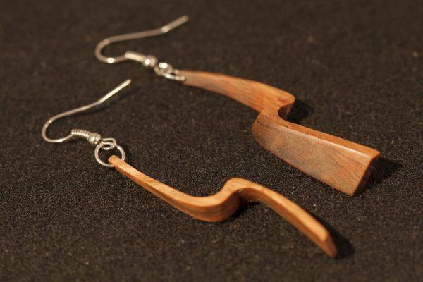 wooden earrings Thyra sanisio holm oak